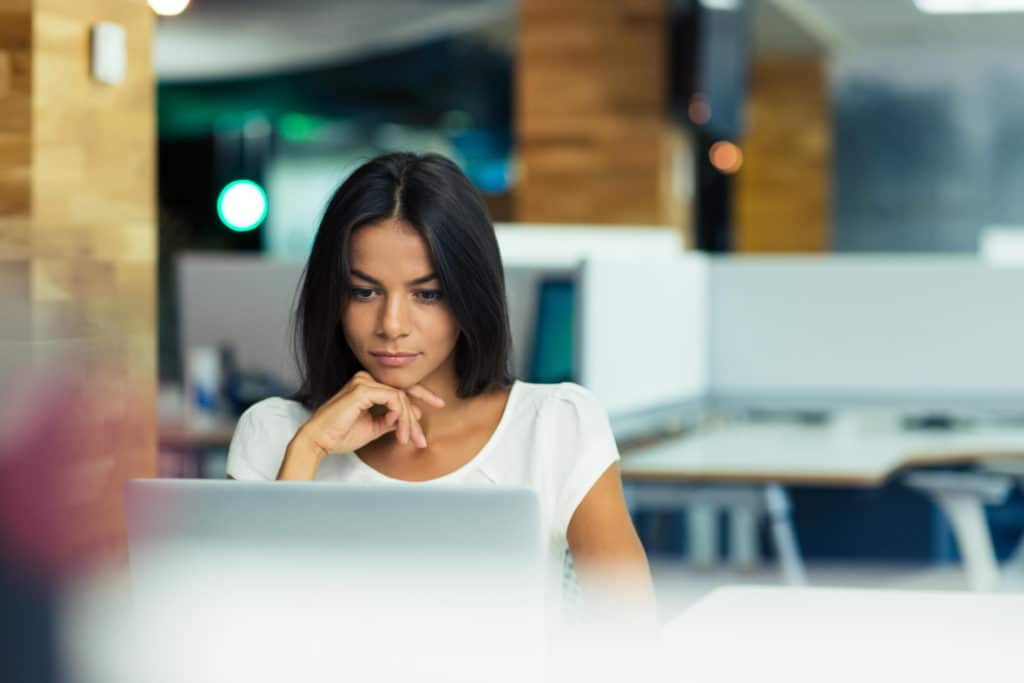 A women using TADA on her computer